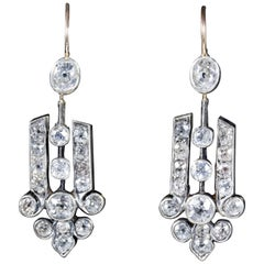 Art Deco Diamond 18 Carat Gold, circa 1920 Drop Earrings