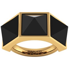 Black Onyx Three-Pyramids 18 Karat Yellow Gold Ring