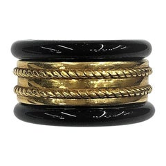 Tiffany & Co Gold Band With Twisted Rope Motif Stacked A With Pair of Onyx Bands