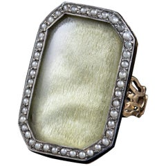 Antique Georgian Silk Pearl Mourning Ring 18 Carat Gold, circa 1750