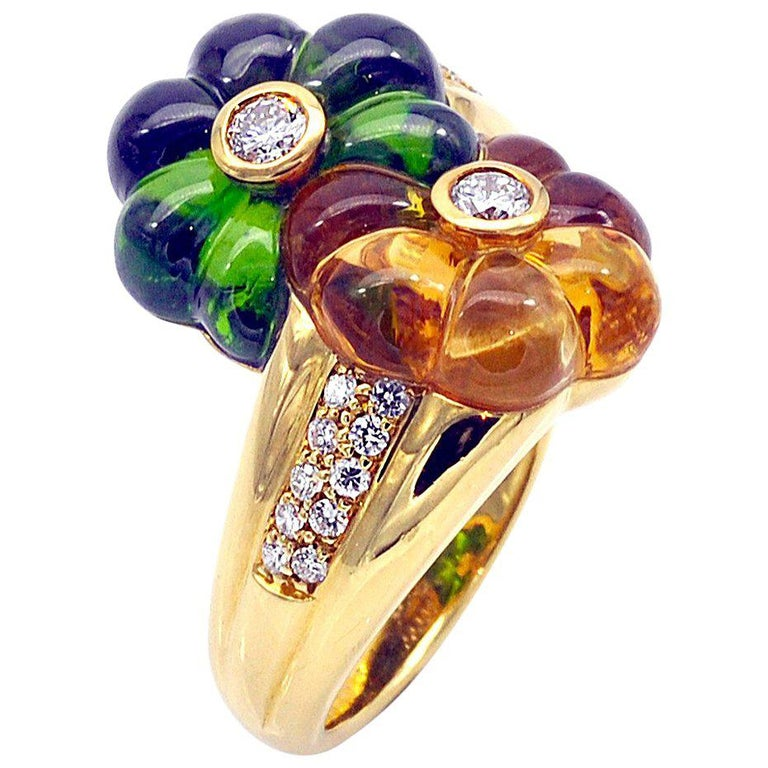 Modern Toi et Moi Carved Gemstones and Diamond 18 Karat Gold Flower Ring For Sale