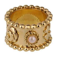 Chanel Lucky Pearl Gold Band Ring