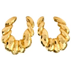 Henry Dunay 18 Karat Yellow Gold Hammered Oval Hoop Clip-On Earring