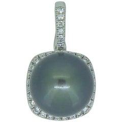 Tahitian Pearl, 0.25 Carat Diamond Pendant Necklace Enhancer White Gold