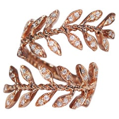Pink Gold Contrarié Ring with Diamonds Pavé Leaves