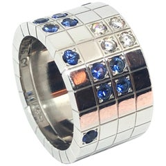 Exceptional Cartier Ring in 18 Karat White Gold with Sapphires and Diamonds