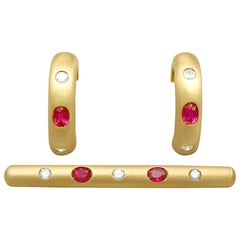 Vintage 1.05Ct Ruby & Diamond Yellow Gold Earring & Brooch Set