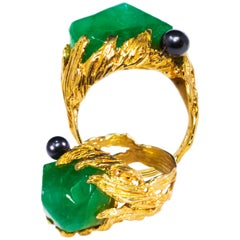 1960s Gilbert Albert Signed 18kt Yellow Gold 10 Ct Chrysoprase Berry Motif Ring