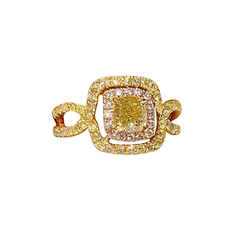 GIA Certified 0.90 Carat Fancy Light Greenish Yellow Diamond Ring