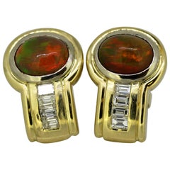 Vintage 18 Karat Gold Stud Earrings with Fire Opals and Diamonds, circa 1970s