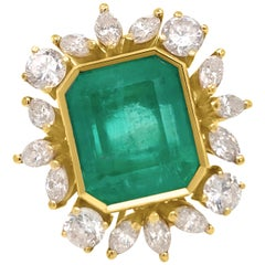 18 Karat Gold and Emerald Ring