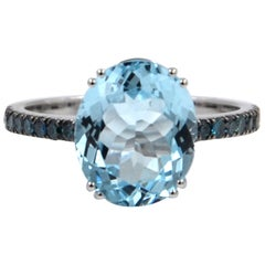18 Karat White Gold Aquamarine and Blue Diamonds Garavelli Ring