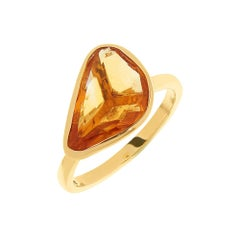 9 Carat Yellow Gold and Pookie-Cut Citrine Cabochon Stacking Ring