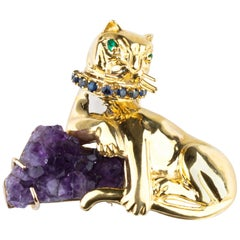 Cat with Geode Amethyst, Sapphire and Emerald 18 Karat Yellow Gold Brooch