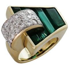 Trabert & Hoeffer-Mauboussin 1940s Colombian Emerald Diamond  Ring. GIA Report