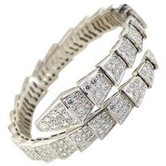 Bvlgari Serpenti 18 Karat White Gold Full Diamond Pave Bracelet Size Medium