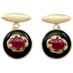 Italian 1.75 Carat Ruby and Onyx Yellow Gold Cufflinks