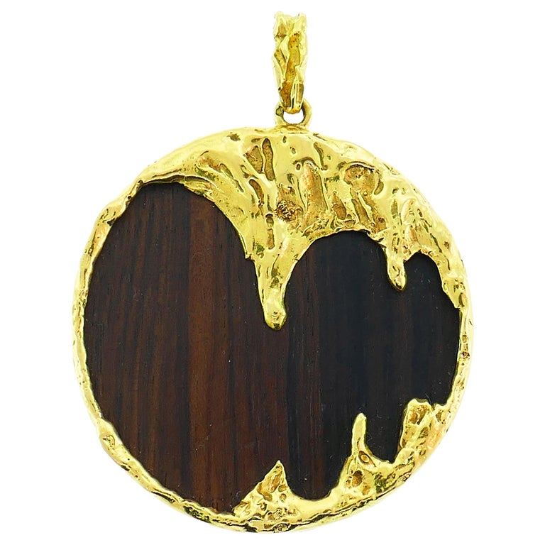 Wood Yellow Gold Pendant French For Sale