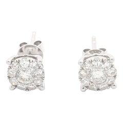 18 Karat White Gold 0.85 Carat Flower Cluster Diamond Stud Earrings