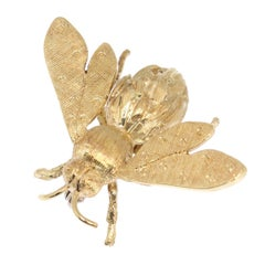 Adorable Vintage Fifites Gold Bee Pin or Brooch