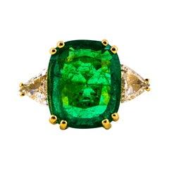 Certified 9.22 Carat Emerald 1.14 Carat White Diamond Yellow Gold Cocktail Ring