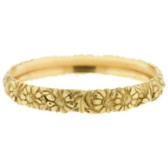 Antique French Engraved Solid 18 Karat Yellow Gold Bangle with Daisies