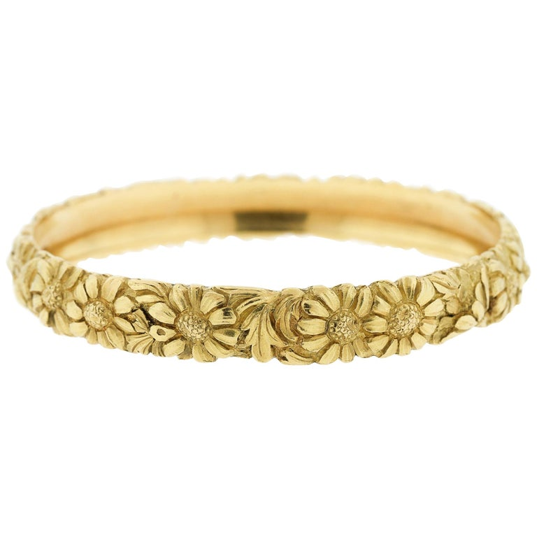 c63a2e442 Antique French Engraved Solid 18 Karat Yellow Gold Bangle with Daisies For  Sale