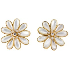 Mother of Pearl Daisy Gold Earrings