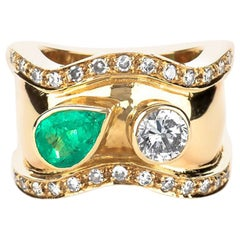 Estate 18K Yellow Gold 2.15 CTW Colombian Emerald & Diamond Cocktail Ring 13 Gr.