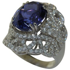 Ladies Oval Tanzanite and Diamond Ring, 18 Karat Gold