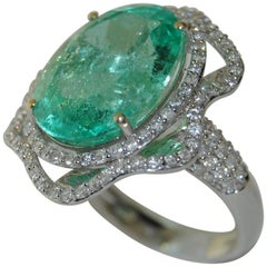 Ladies 12.72 Carat Emerald with Diamond Ring, 18 Karat Gold