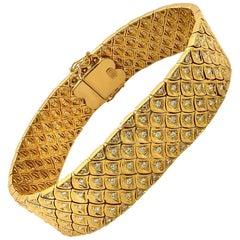 Contemporary 18 Karat Yellow Gold Diamond Bracelet