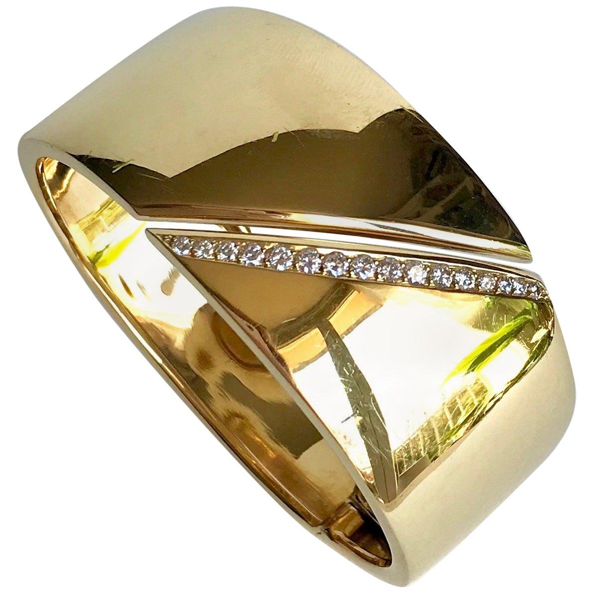 Hermes Rigid Bracelet in 18 Carat Yellow Gold and Line of Diamonds