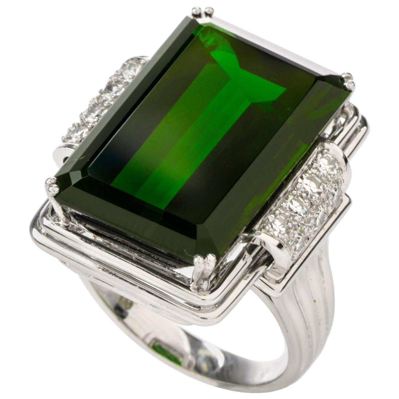Green Tourmaline Diamond 18 Karat White Gold Cocktail Ring