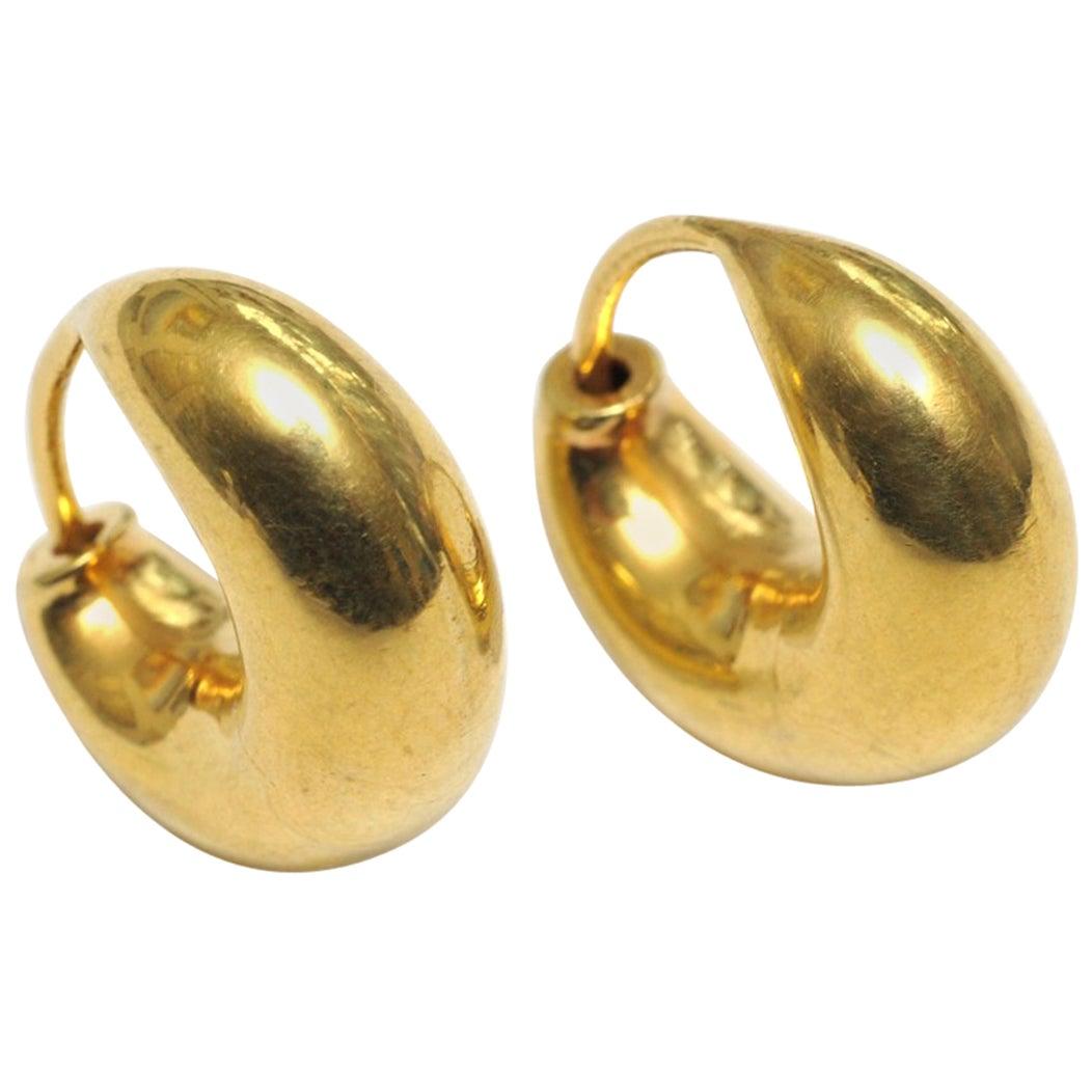 22 Karat Gold Classic Cashew Hoops