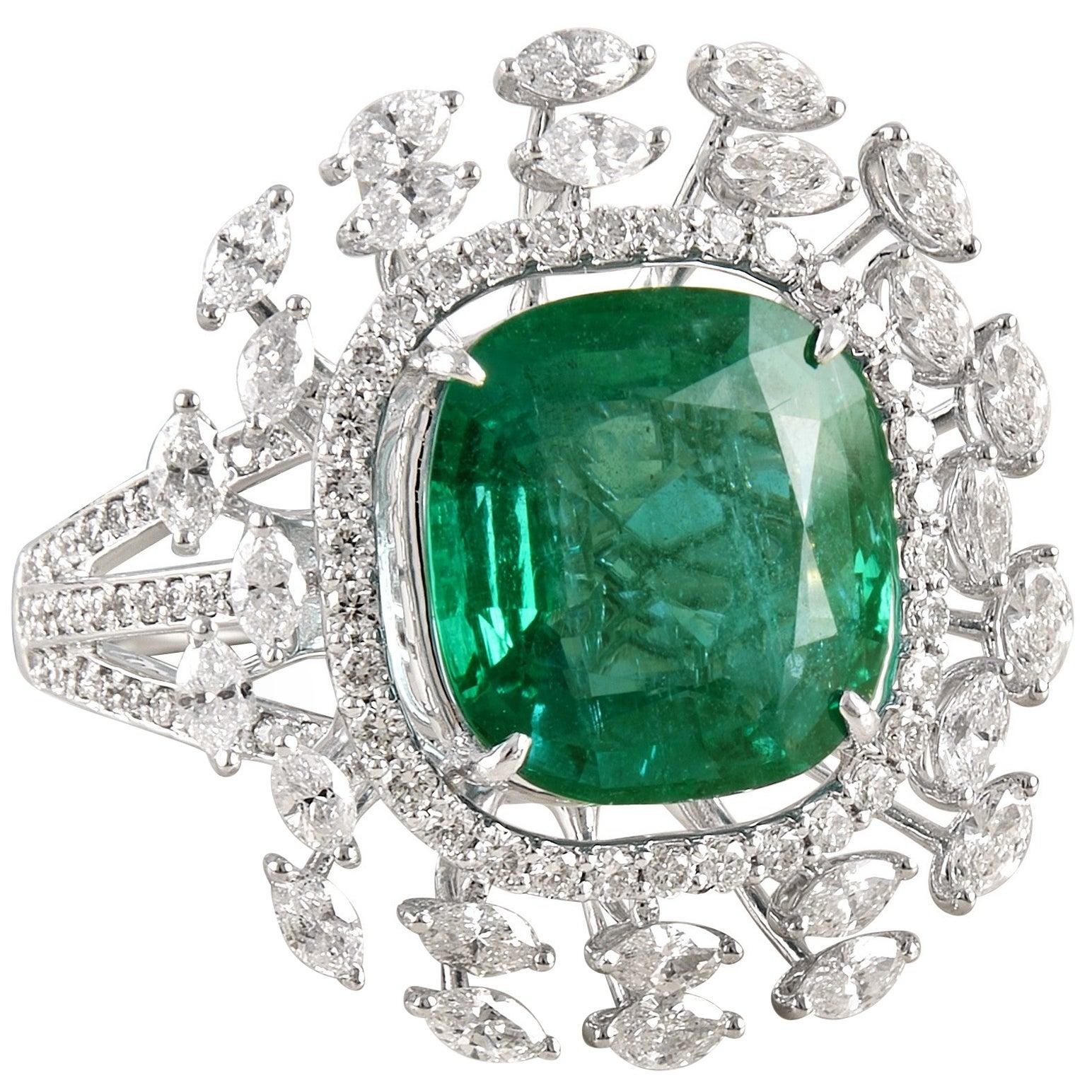 Emerald 18k Gold White Diamond Cocktail Ring