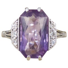 Art Deco Amethyst and Diamond Ring in 18 Carat White Gold and Platinum