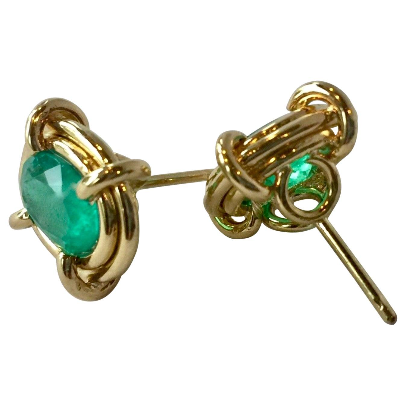 5.28 Carat Colombian Emerald Elegant Earrings Oval 18 Karat