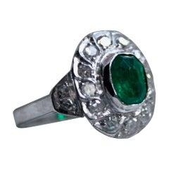 Beautiful Vintage 14 Karat Gold Diamond and Emerald Ring Halo Ring, 1.64 Carat