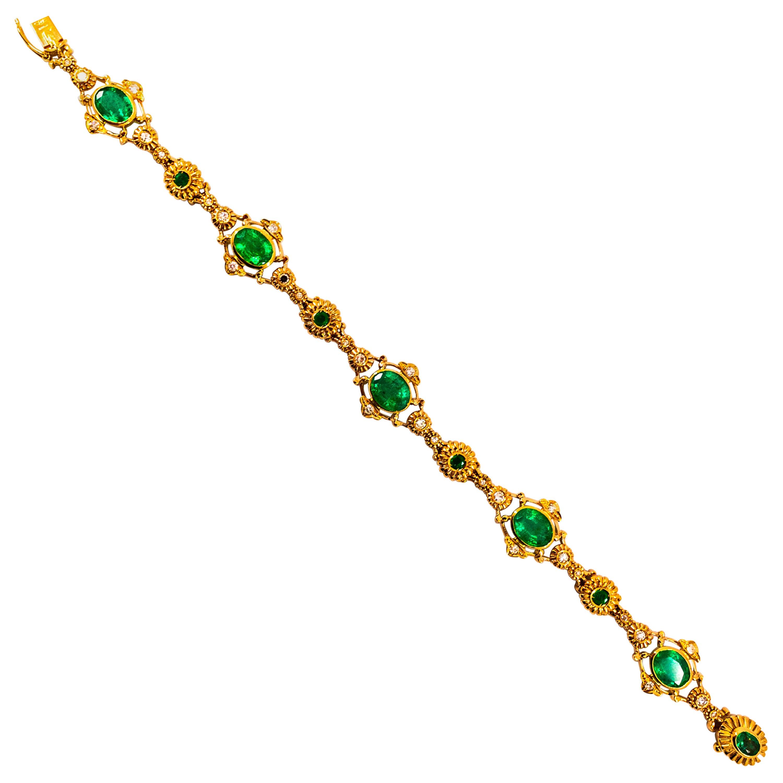 Art Deco Style 6.60 Carat Emerald 0.60 Carat White Diamond Yellow Gold Bracelet