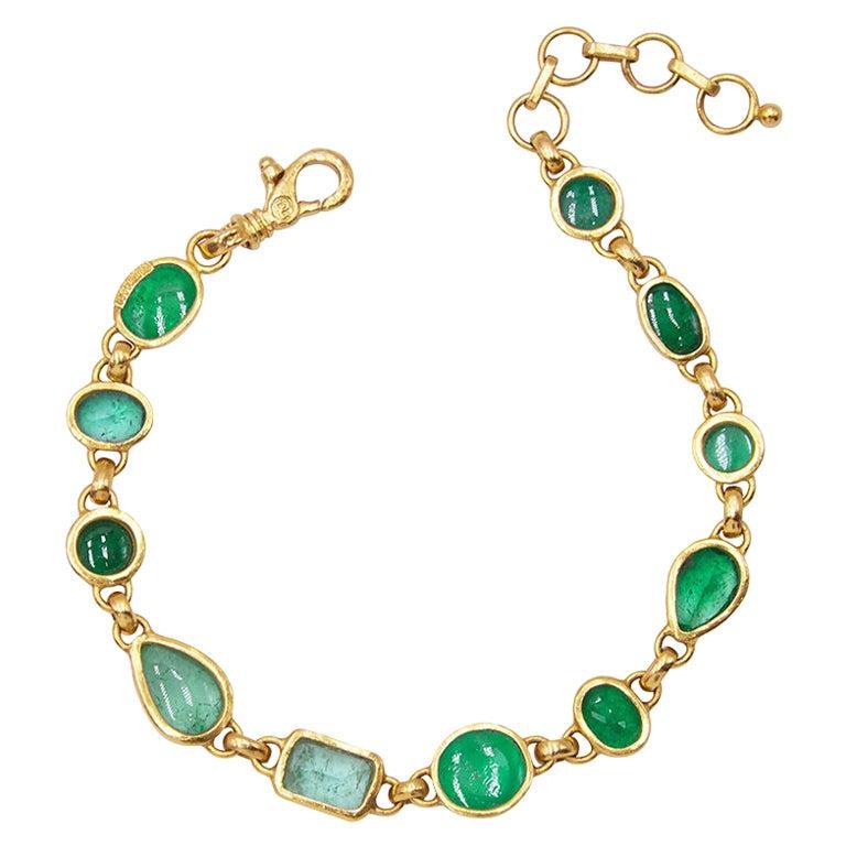 GURHAN 22-24 Karat Hammered Yellow Gold and Mixed Shaped Emerald Bracelet
