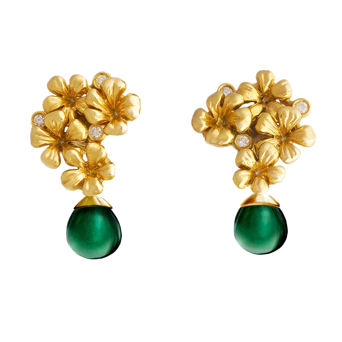 Yellow Gold Modern Clip-On Earrings with Round Diamonds and Chalcedonies
