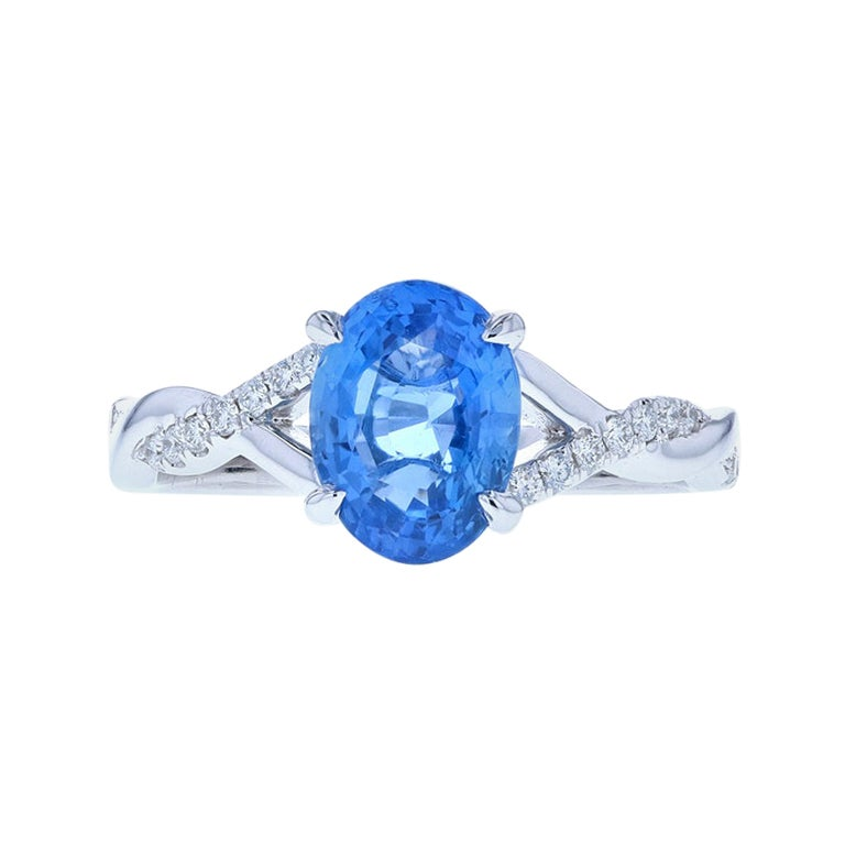 Beautiful Oval Sapphire with Twisted Shank Covered in Diamond Pave, Luxe