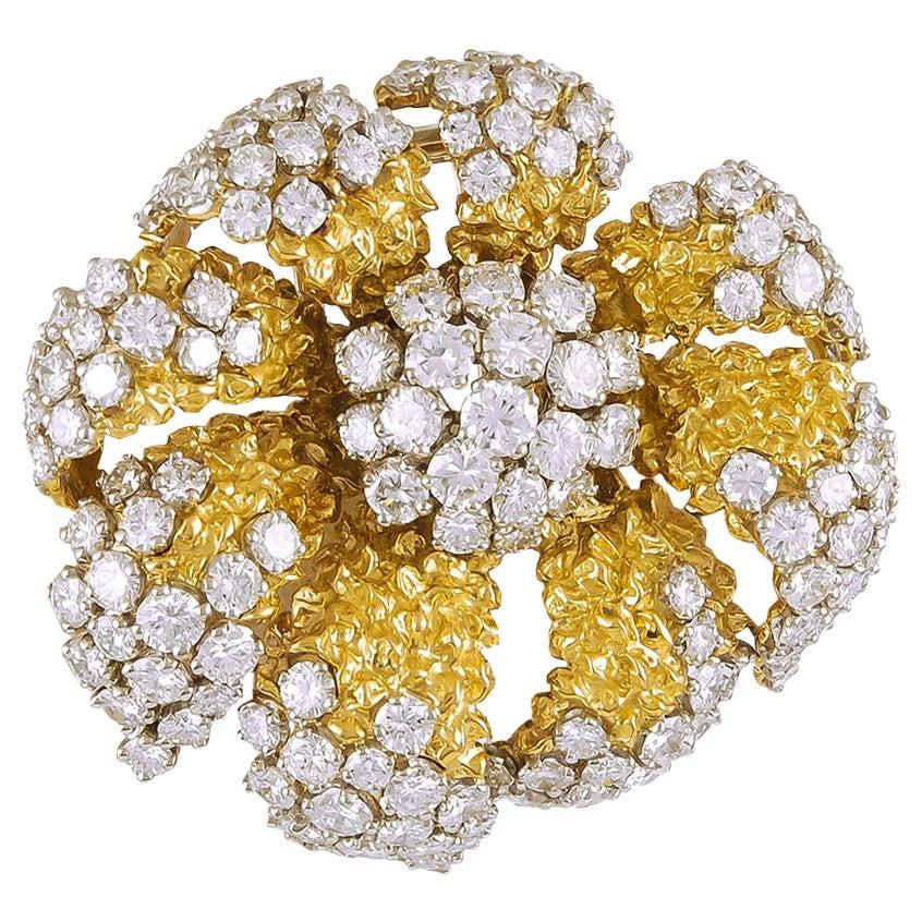 Van Cleef & Arpels Diamond Yellow Gold Flower Brooch