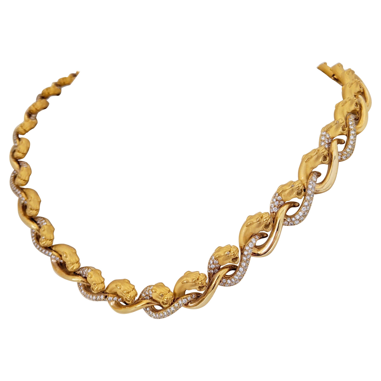 Carrera Y Carrera 18 Karat Yellow Gold Panther Necklace with 2.88 Carat Diamonds