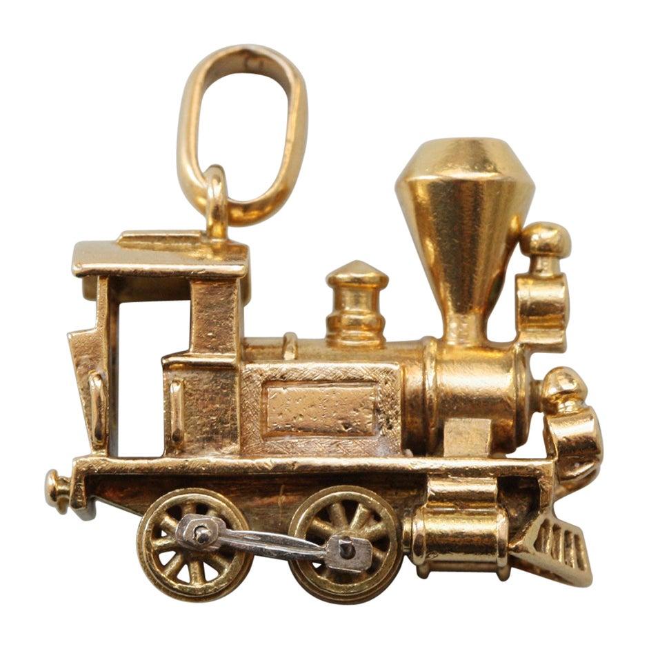 Gold Van Cleef & Arpels Locomotive Charm
