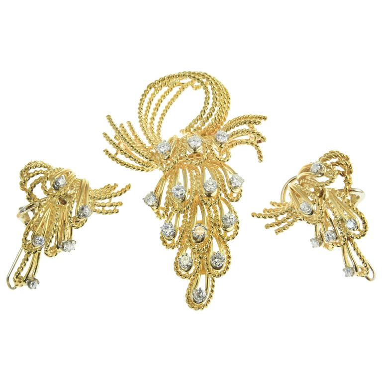 French Articulated Twisted Diamond Gold Cascade Brooch and Earrings