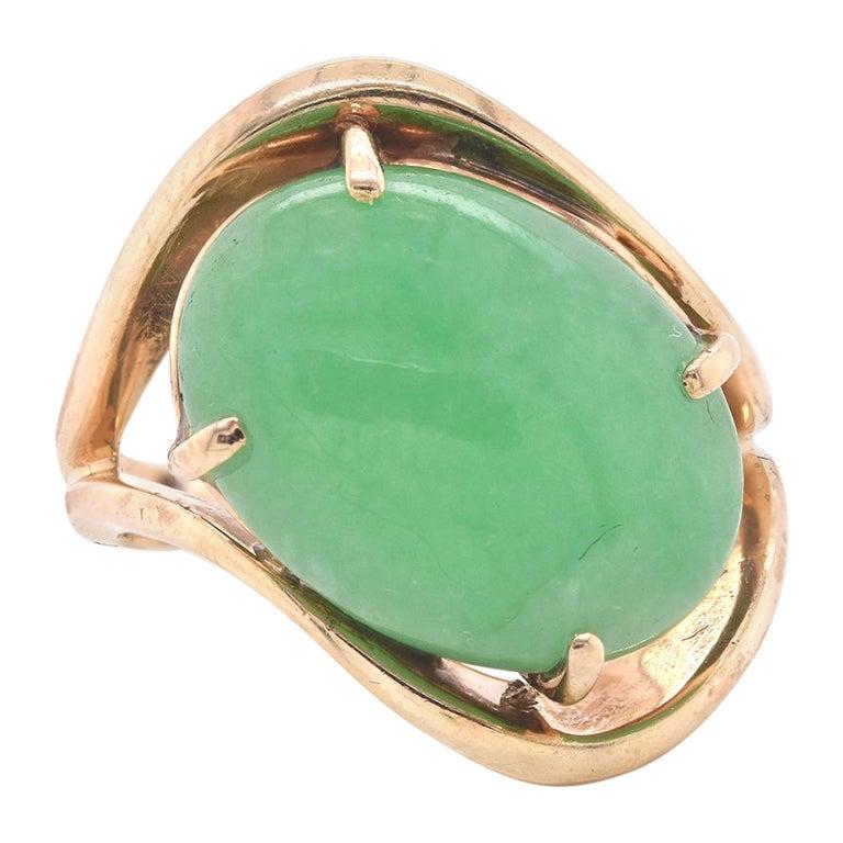 14 Karat Yellow Gold Cabochon Jade Ring