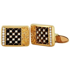 Carrera y Carrera Sierpes 18 Karat Gold 0.33 Carat Diamond and Onyx Cufflinks