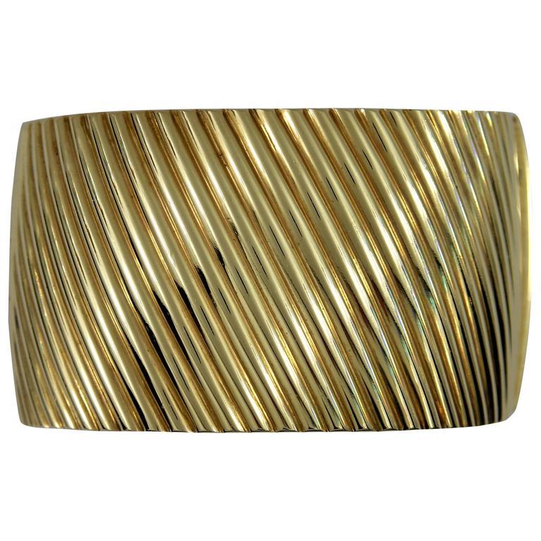 Ribbed Gold Bangle Bracelet
